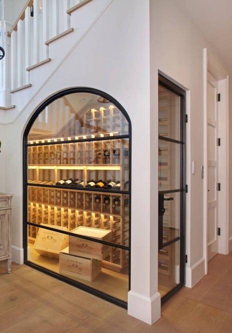 cave à vin sous escalier  conseils et idées d'aménagement